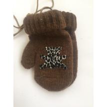 Варежки зимние на резинке коричневого цвета с мишкой