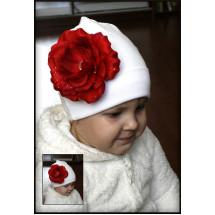 Шапка белая весенняя роза с росинками
