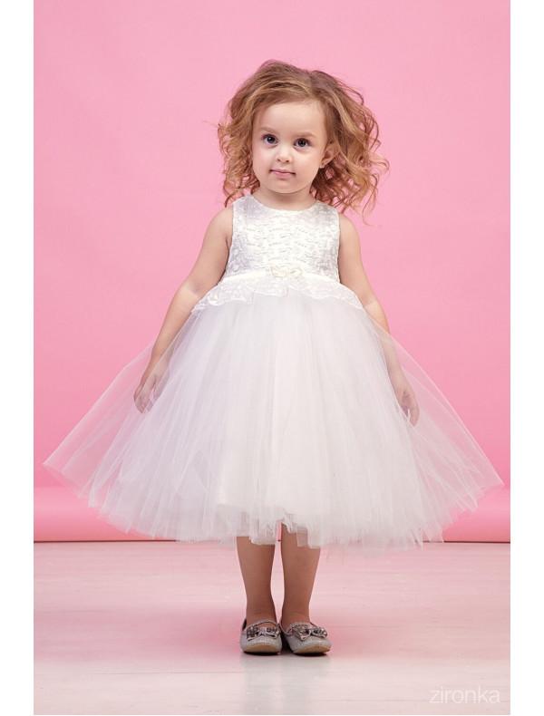 378fa86412d Платье нарядное молочного цвета с многослойной юбкой и кружевом